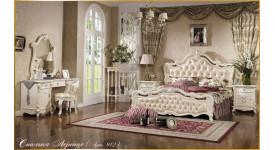 Классический спальный гарнитур бежевого цвета Лоренцо Арт 912